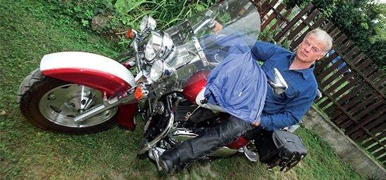 Straub Tamás motoros légzsákos kabát