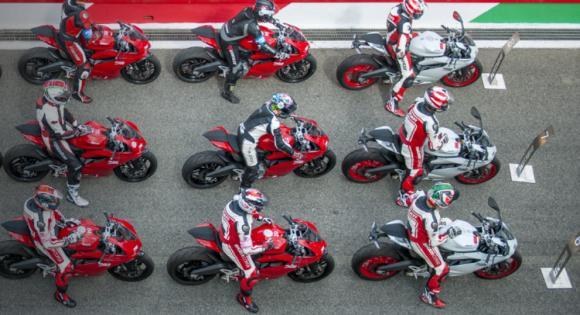 Ducati motoros oktatás 2017