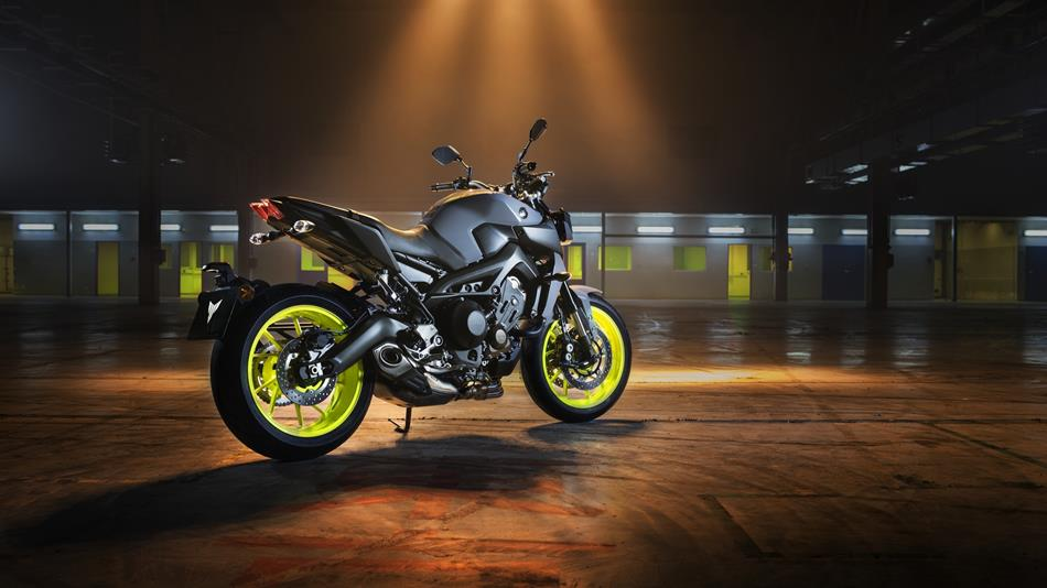 Yamaha MT 09 Night Fluo