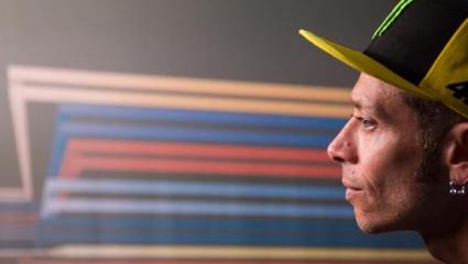 Hivatalos! Rossi indul a hétvégén