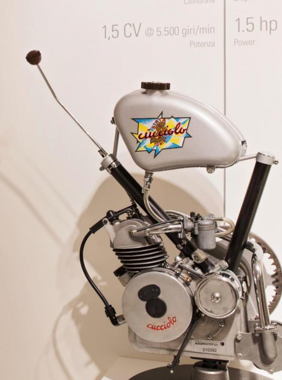 Ducati Cucciolone robogó