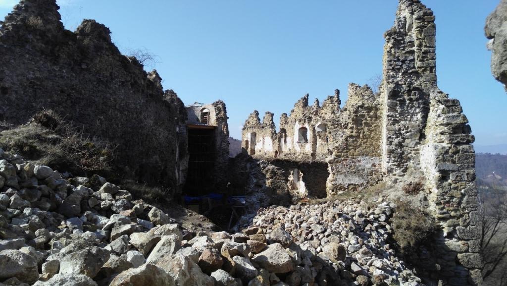 Saskő vára - Šášovský hrad