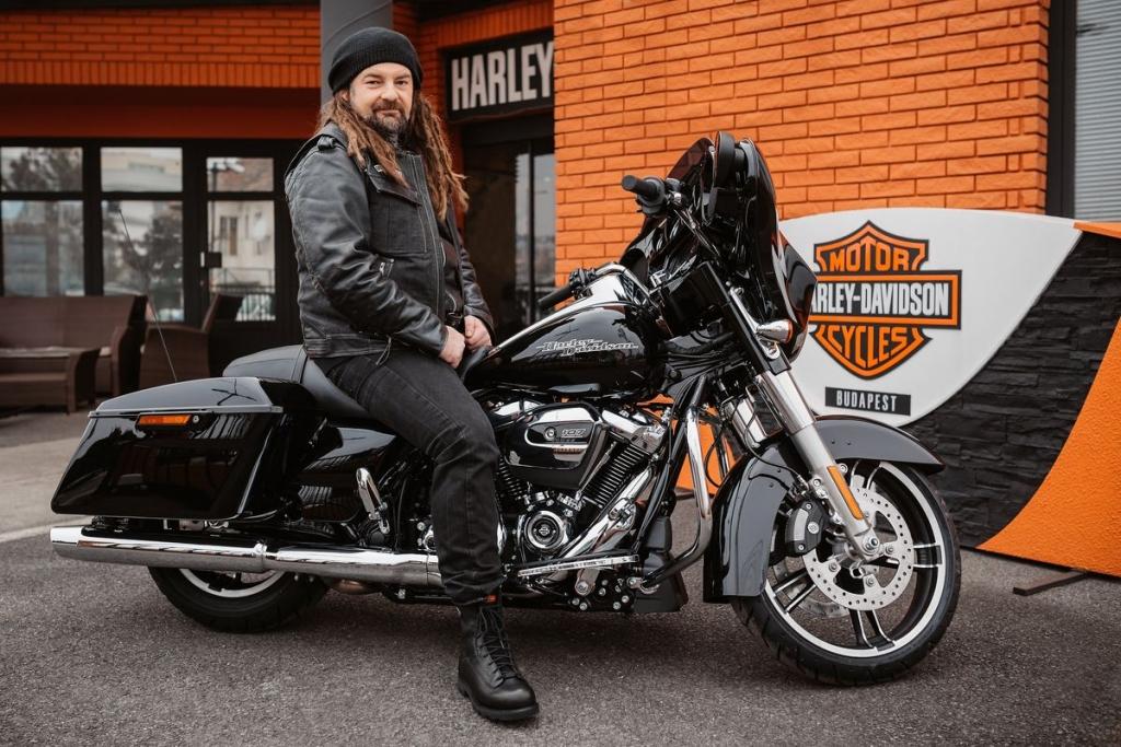 Sidi a Harley-Davidson nagykövete