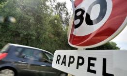 Franciaországban bevezetik a 80 km/h sebességhatárt