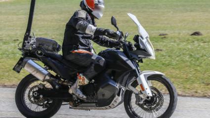 Új kém fotók a KTM 790 Adventure