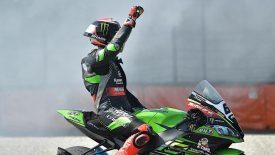 Tom Sykes búcsút mond a Kawasaki-nak