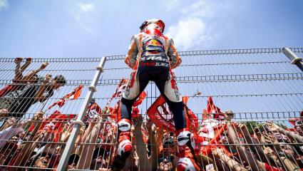 MOTOGP, Spanyol Nagydíj: Marquez nyer, három spanyol versenyző a dobogón