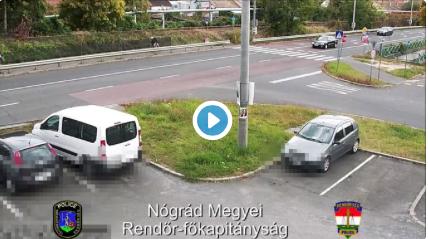 Sokkoló videót tett közzé a rendőrség egy motoros balesetről.