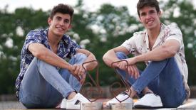 A Marquez testvérek orvosi berendezéseket ajándékoznak kórházaknak