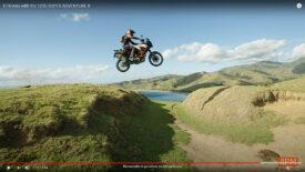 Chris Birch lenyűgöző videója egy motoros paradicsomban