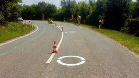 Új útburkolati jelet vetnek be a Bajna-Héreg szakaszon