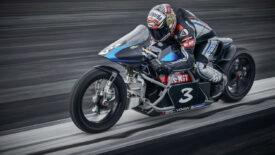 "Voxan Wattman  és Max Biaggi – 11 ""elektromos""  sebességi rekord"