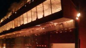 Leégett a Termas de Rio Hondo boxépülete
