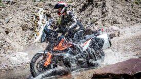 A legforróbb napokon is lehet élmény a gurulás! Clover Light-Pro motorosnadrág
